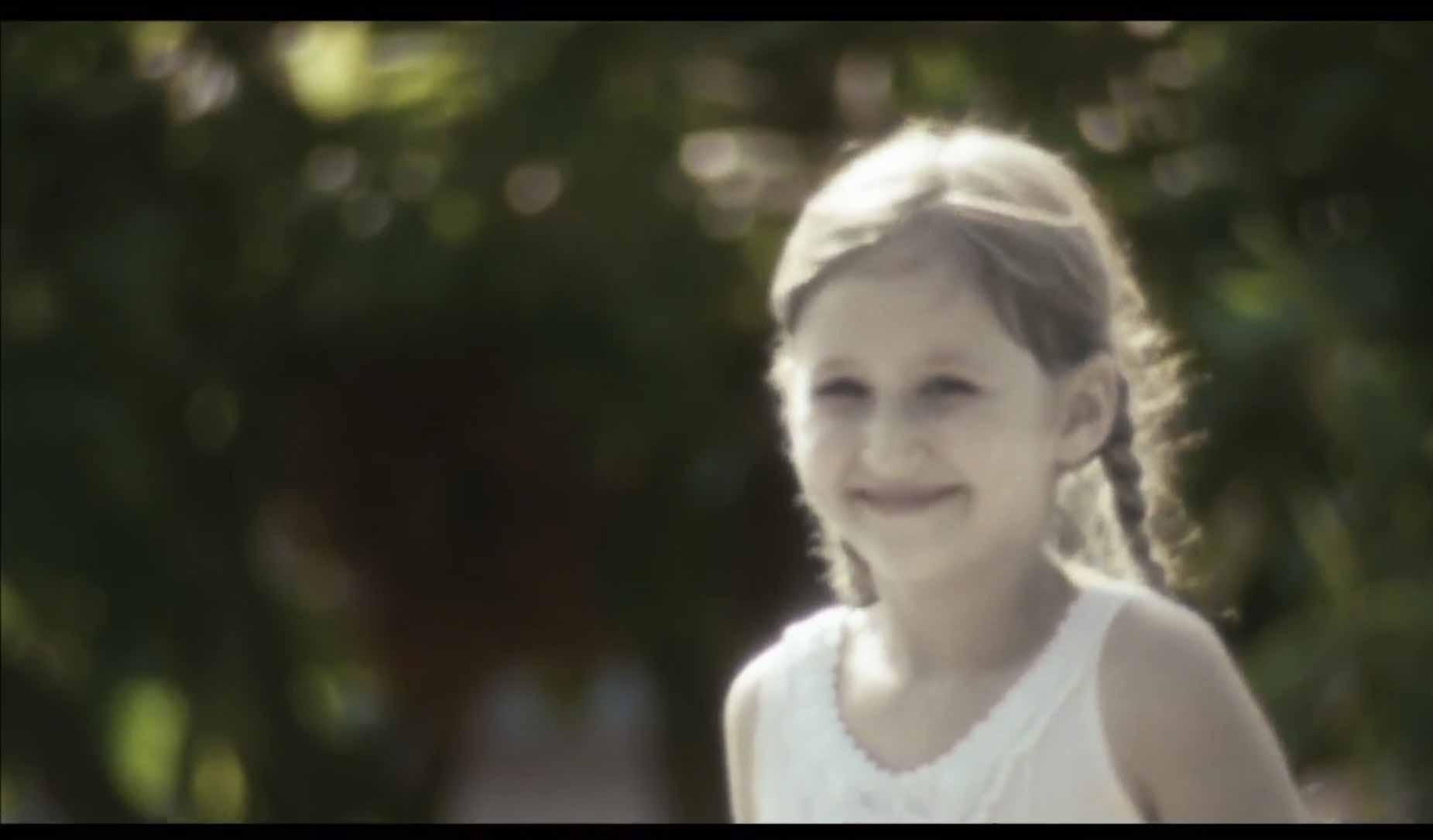 Copilaria-lui-Icar-de-Alex-Iordăchescu-online-CINEPUB